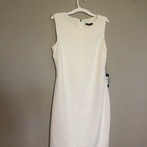 White size 4 dress